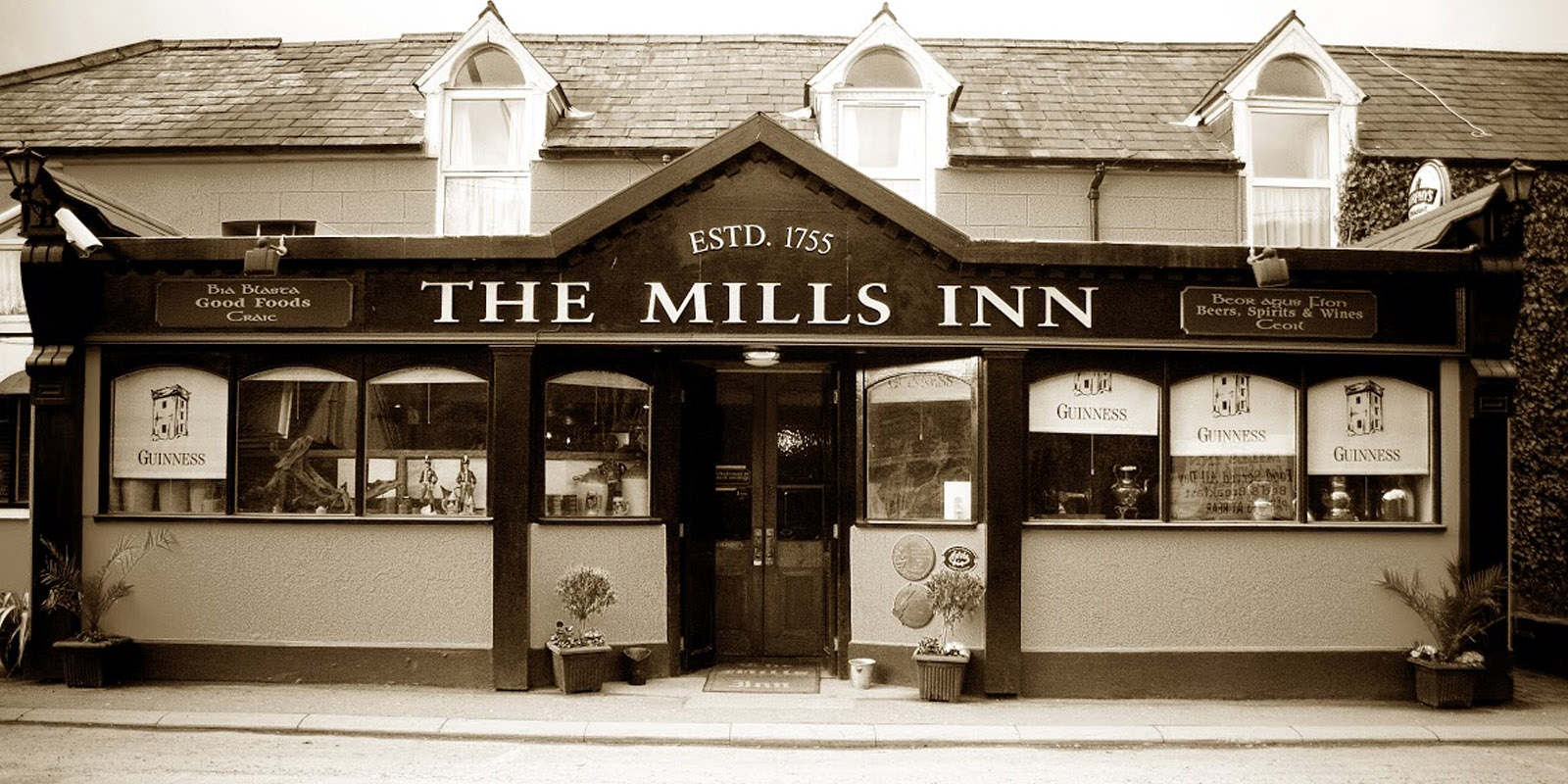 The Mills Inn Black and White